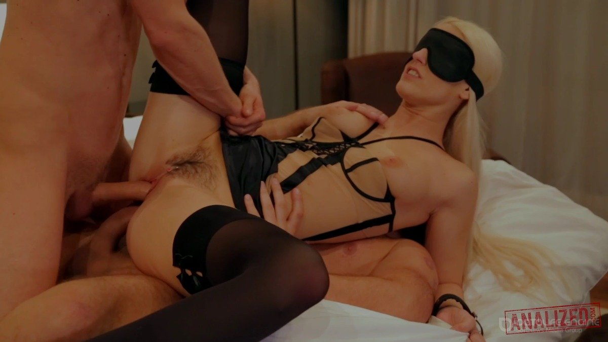 Blanche Bradberry, Blanche Bradburry - Gets Blindfolded And Double Penetrated (1080p)